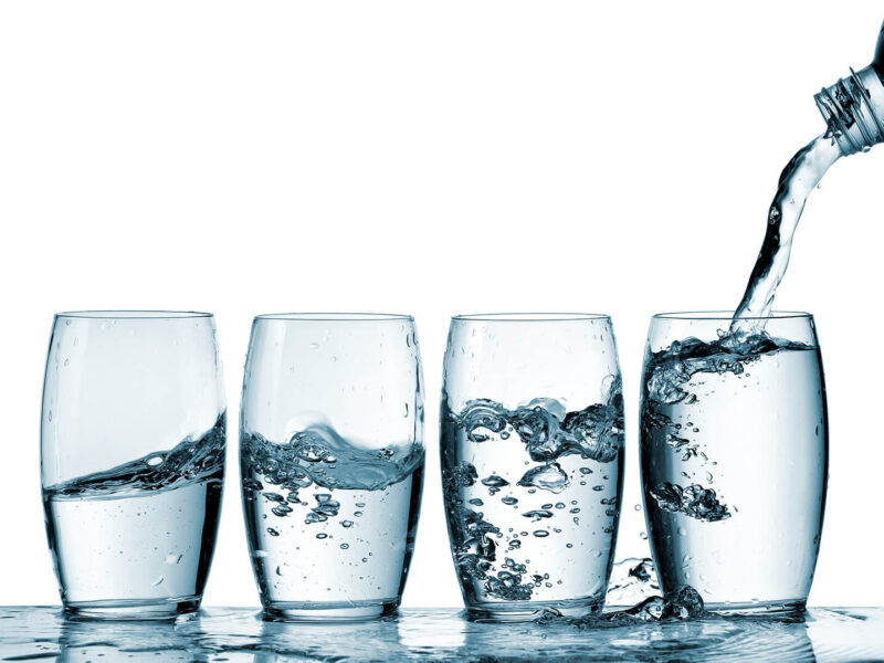 how_much_water_should_you_drink_for_skin_health